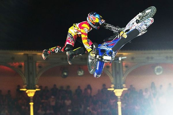 Red Bull X-Fighters: Νικητής ο Pagès (photos)
