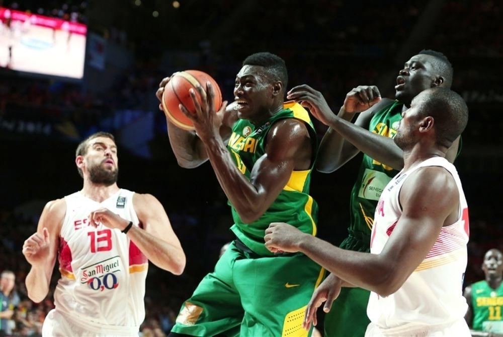 Μουντομπάσκετ 2014: «Ξεπετάχτηκαν» και οι Σενεγαλέζοι (video)