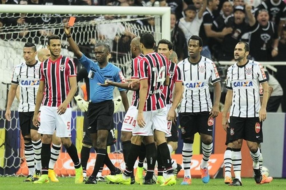 Brasileiro: Νευρικό ντέρμπι με θρίαμβο της Κορίνθιανς (videos)