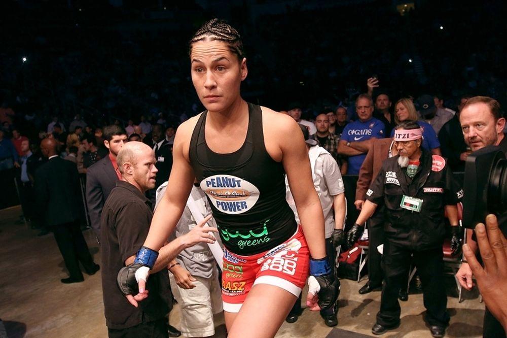 UFC 180: Eye και Smith στο Μεξικό