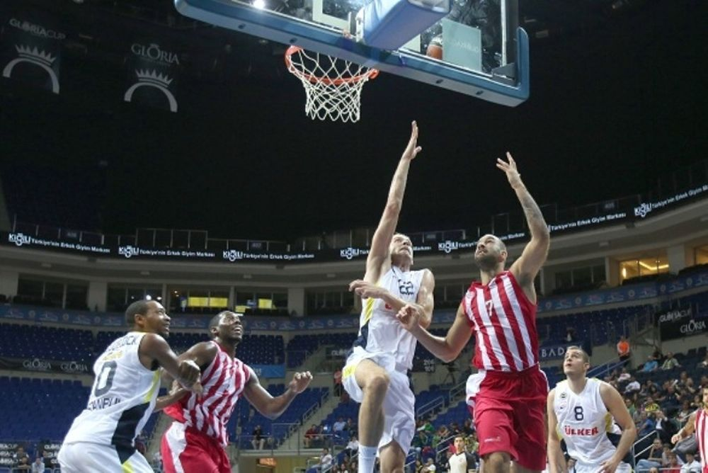«Gloria Cup»: Ολυμπιακός - Φενέρμπαχτσε/Ούλκερ 69-60 (photos)