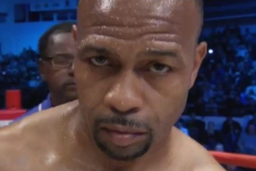 Μποξ: Ταχύτατο νοκ άουτ για Jones Jr.! (video)