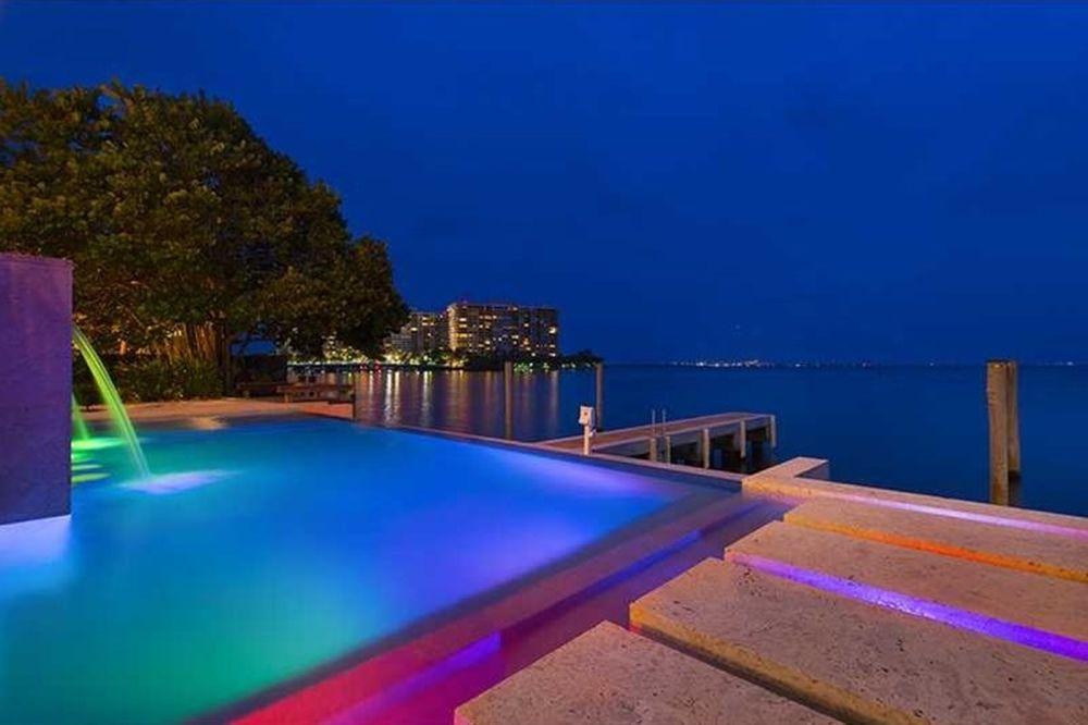 Λεμπρόν Τζέιμς: Πουλάει το πολυτελές σπίτι του στο Μαϊάμι (photos)