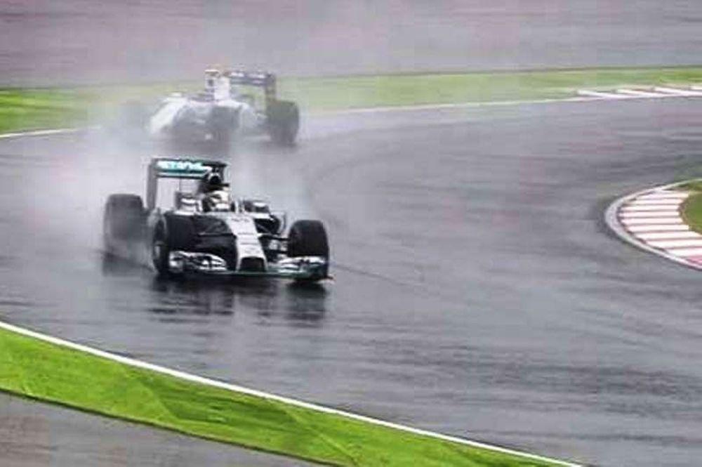 Formula 1: Προσωρινή διακοπή λόγω βροχής