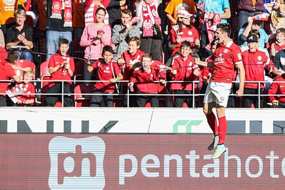 Νέα ήττα για Ντόρτμουντ, 2-1 από Κολωνία (video)