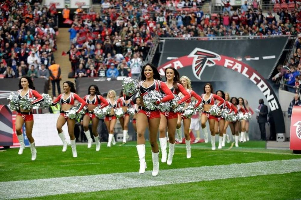 NFL: «Απόβαση» στο Λονδίνο οι τσιρλίντερ (photos)