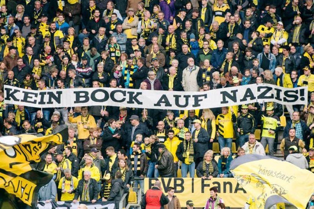Μπορούσια Ντόρτμουντ: Το αντι-ναζιστικό μήνυμα των οπαδών (photos)