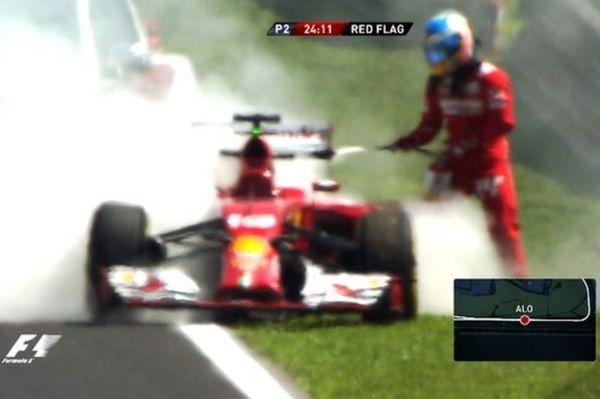 Formula 1: Και... πυροσβέστης ο Αλόνσο (video)