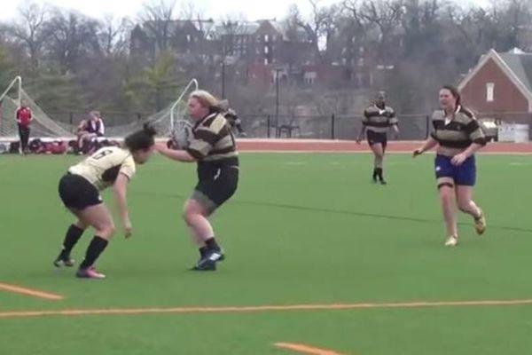 Ράγκμπι: Παίκτρια… πλακώνει τις αντίπαλές της! (video)