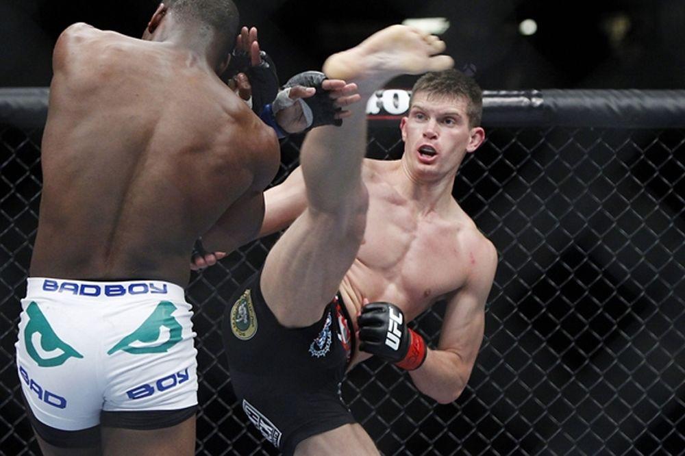 UFC Fight Night 65: Δύο «άκυρα» για Κολοράντο, πρόβλημα με main event