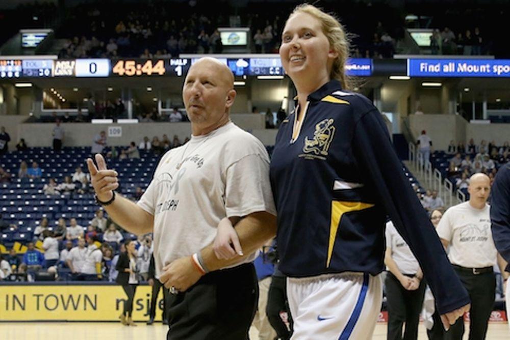 Ο προπονητής της Λόρεν Χιλ στο Onsports: «Το μπάσκετ την κρατά στη ζωή!»