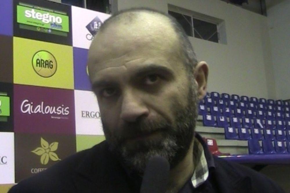 Χατζηκυριακίδης: «Τα παιδιά της διπλανής πόρτας» (videos)