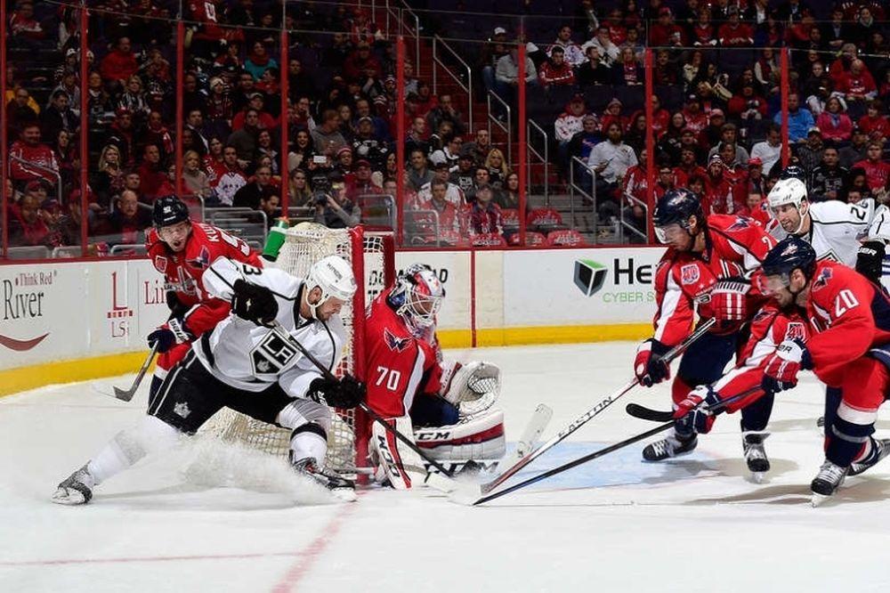 NHL: Απροσπέλαστος Holtby για Κάπιτολς (videos)