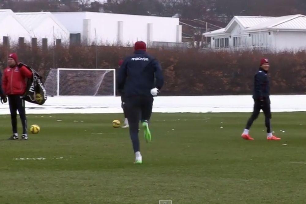 Τρομερό γκολ  και …χιονοπόλεμος στην προπόνηση της Κρίσταλ Πάλας (video)