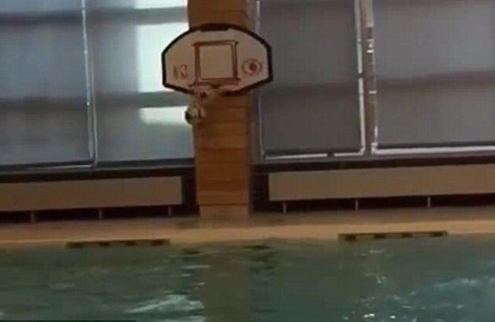 Το κορυφαίο καλάθι όλων των εποχών με ...ψαλιδάκι από πισίνα ο Γουίλιαν (video)