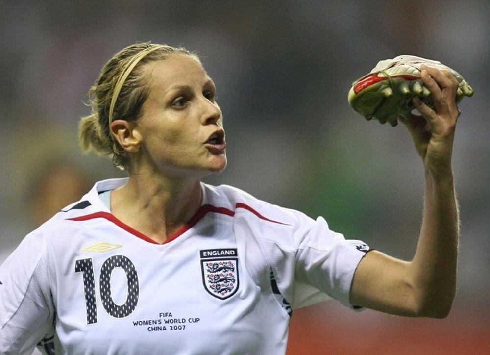 Γυναικείο Ποδόσφαιρο: Αποσύρθηκε η κορυφαία Αγγλίδα παίκτρια (photos+video)