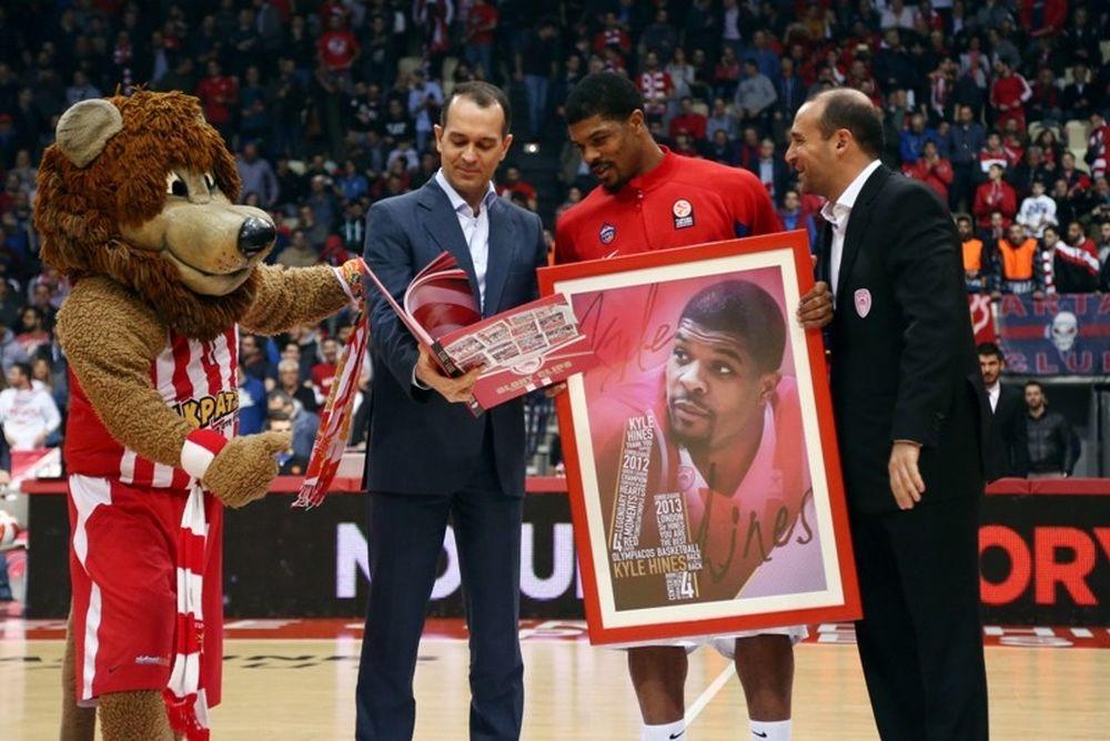 Onsports TV: Τιμήθηκε ο Χάινς (videos+photos)