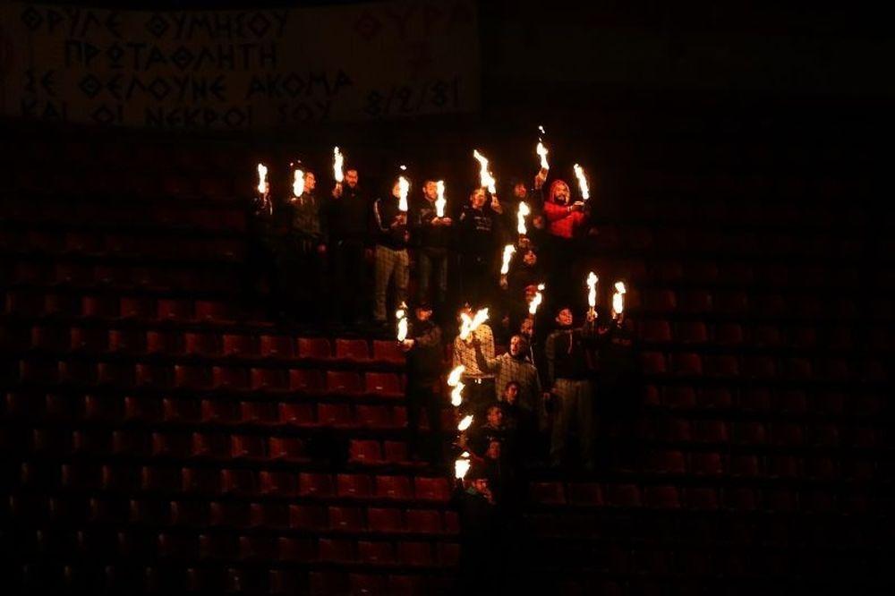 Ολυμπιακός: Τίμησαν τους νεκρούς της Θύρας 7 (photos)