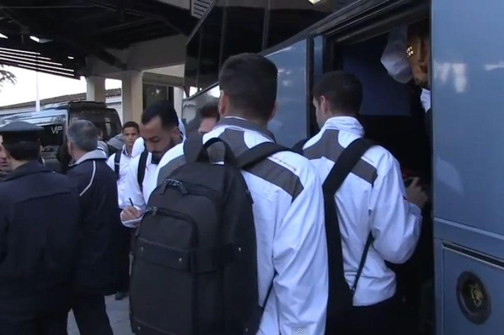 ΠΑΟΚ - Ολυμπιακός: Η «ερυθρόλευκη» αναχώρηση για Τούμπα (video)