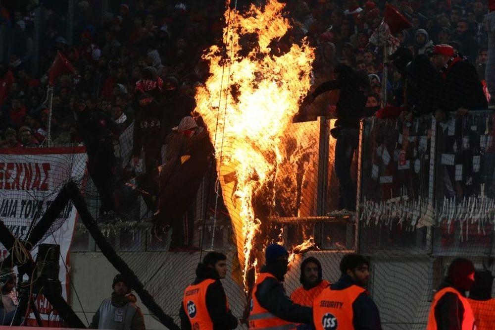 Ολυμπιακός-ΑΕΚ: Ένταση έξω από το «Γ. Καραϊσκάκης»
