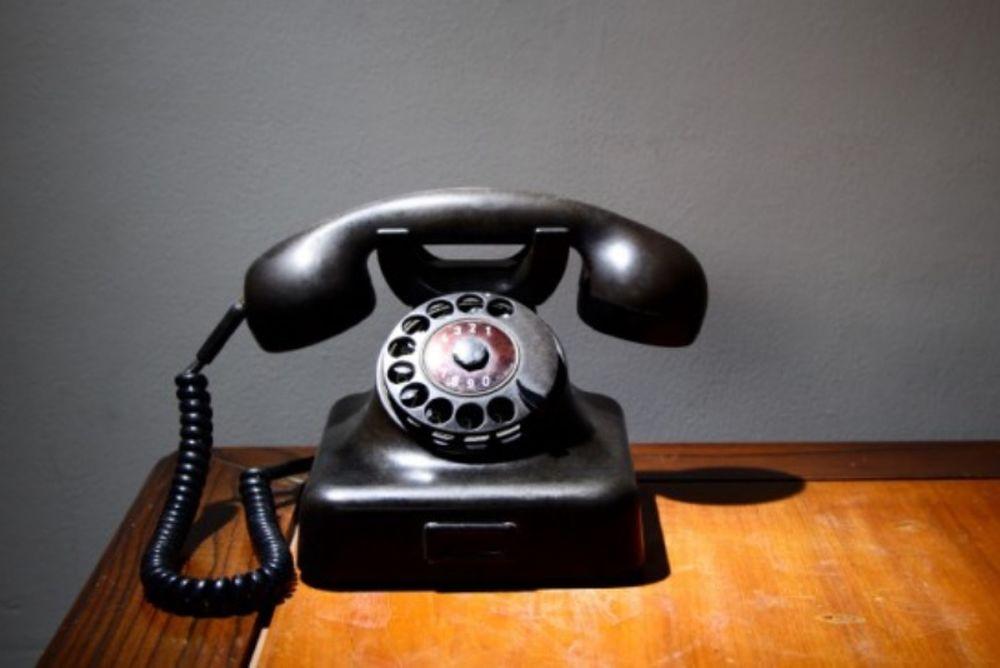 Χωρίς τηλέφωνο αλλά με γεμάτο … στομάχι! (video)