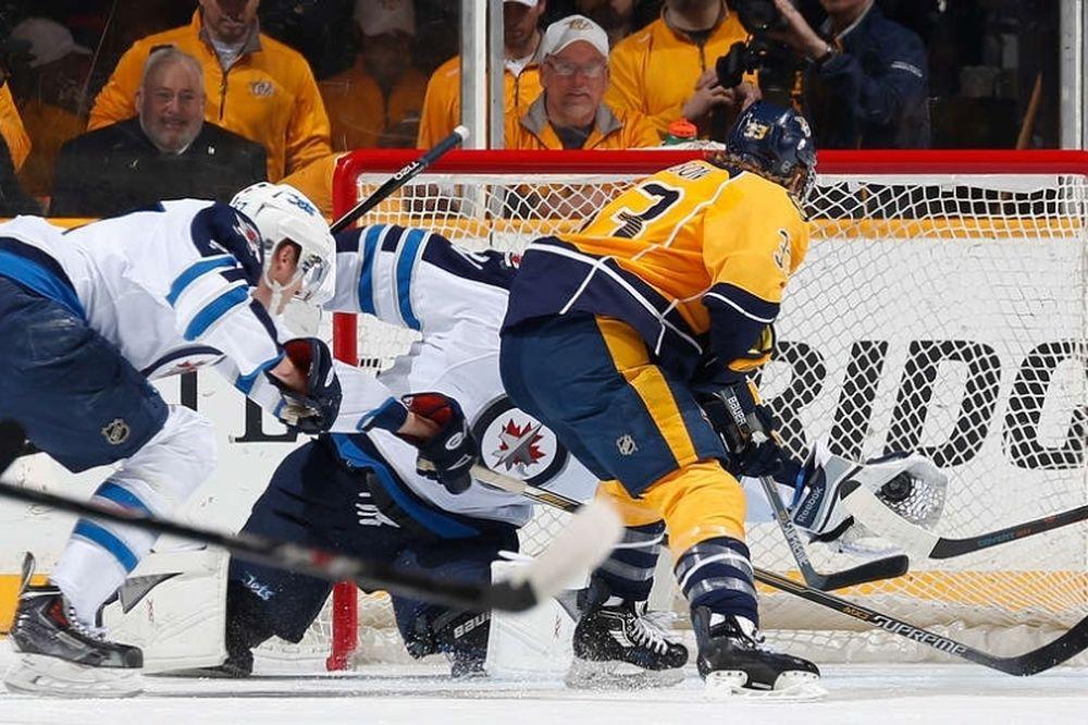 NHL: Τέταρτη σερί νίκη για Πρέντατορς (videos)