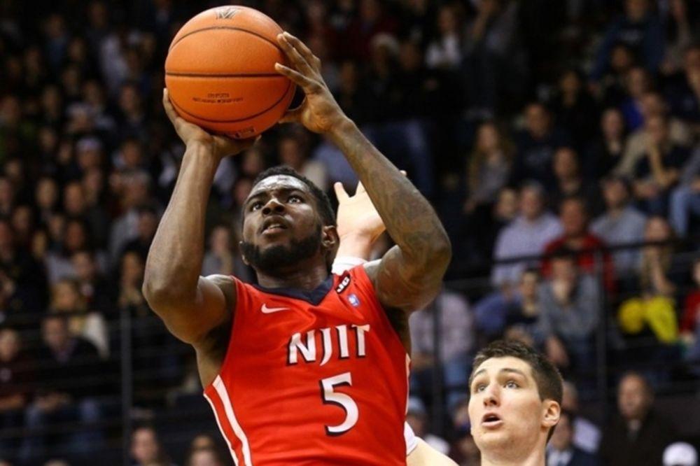 NCAA: Ξεκόλλησε ο Τσελεντάκης του NJIT (videos)