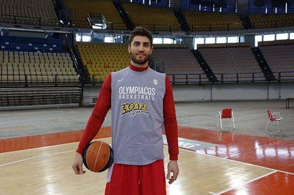 Ολυμπιακός: Γιόρτασε και ο Τσαϊρέλης (photo)