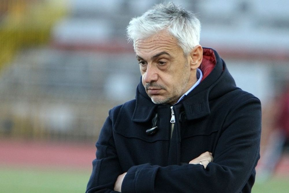 Χαραλαμπίδης: «Μια ομάδα στο γήπεδο»