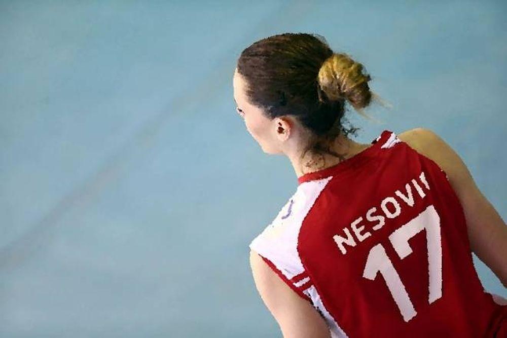 «Γονάτισε» τα social media η πρώην του Ολυμπιακού!