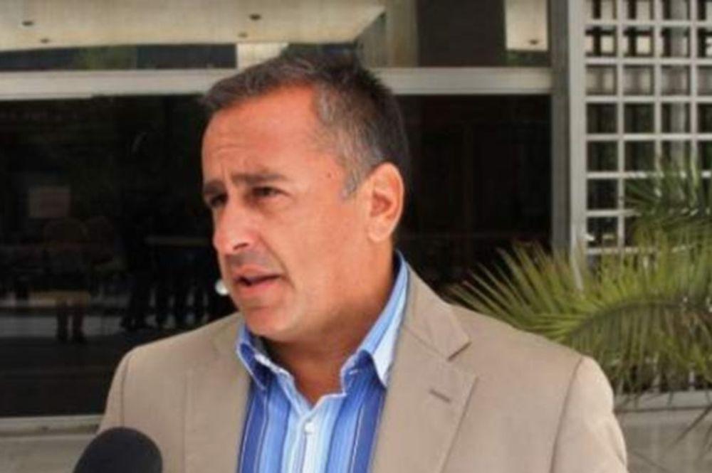 Αντώνης Δελατόλας: Ο δημοσιογράφος έσωσε από βέβαιο πνιγμό δύο 15χρονα κορίτσια στην Τήνο