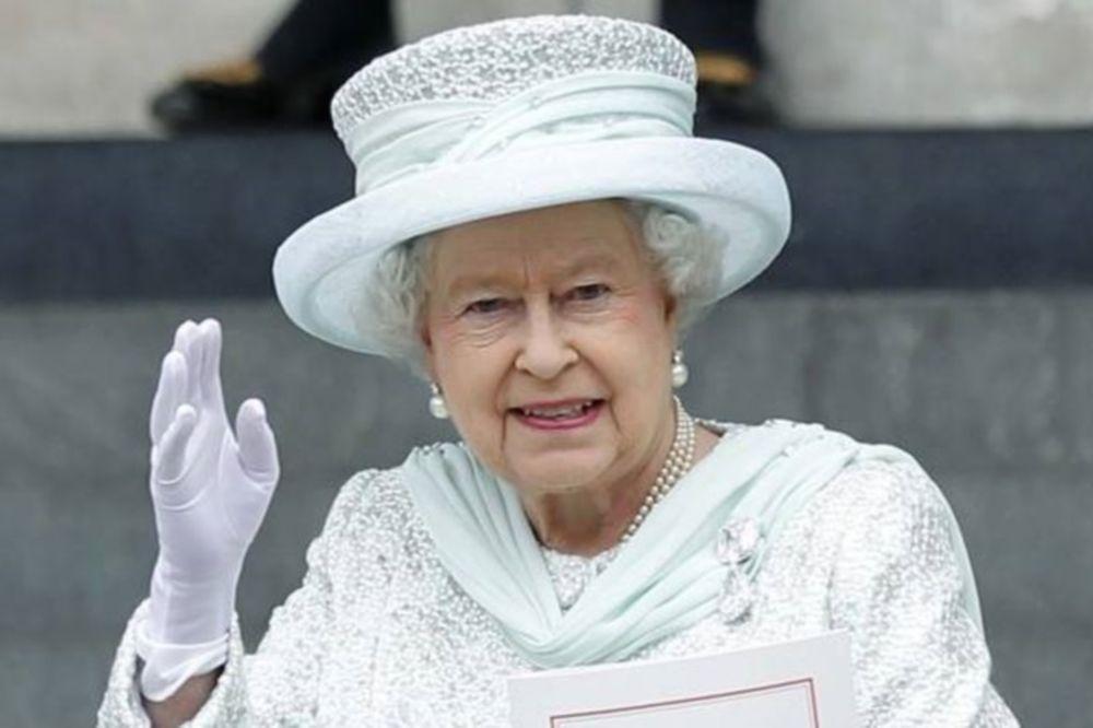 Daily Mail: Τζιχαντιστές σχεδίαζαν να σκοτώσουν τη Βασίλισσα Ελισάβετ!
