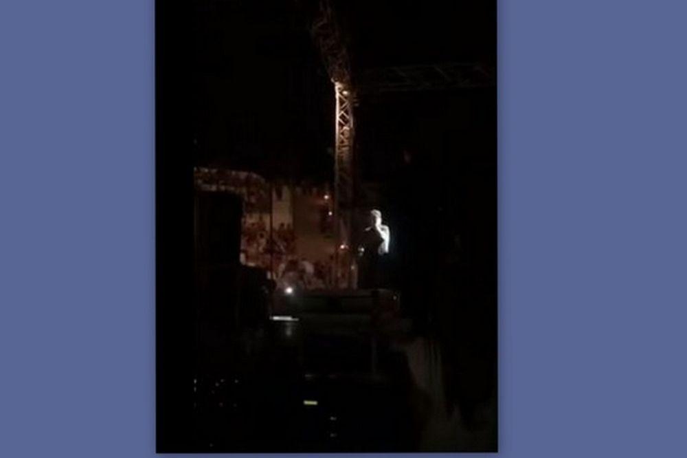 Γιώργος Μαζωνάκης: Ξέσπασε σε κλάματα και διέκοψε τη συναυλία του!