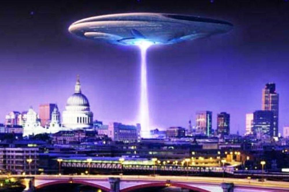 Φαντασμαγορική εισβολή εξωγήινων (:) στις ΗΠΑ με στυλ! (video)