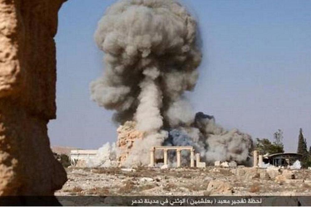 Παλμύρα: Οι τζιχαντιστές δημοσίευσαν φωτογραφίες από την ανατίναξη του αρχαίου ναού (photos)