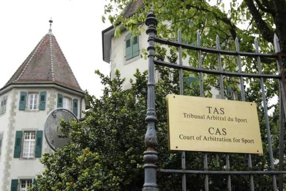 «Δυο μέτρα και δυο σταθμά από CAS και UEFA»