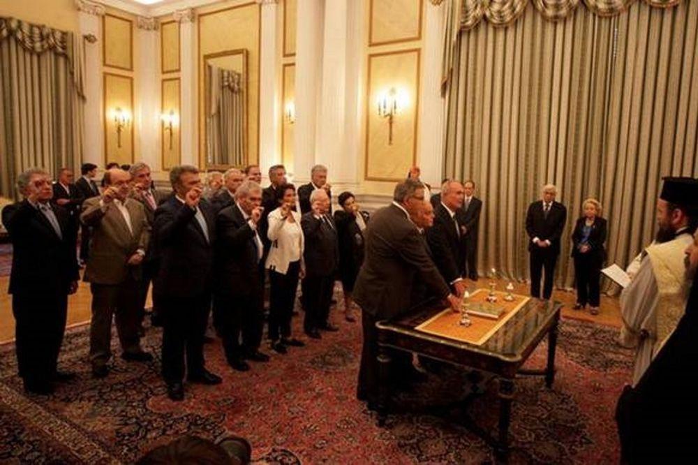 Εκλογές 2015 - Τα βιογραφικά των μελών της υπηρεσιακής κυβέρνησης