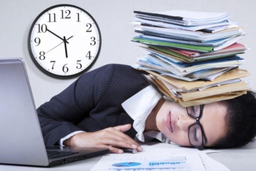 Τέσσερα τρικ για να μείνετε ξύπνιοι χωρίς καφέ