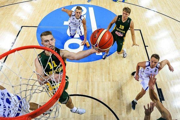 Εσθονία - Λιθουανία 62-64: Το... έδωσε μόνος του ο Βένε!