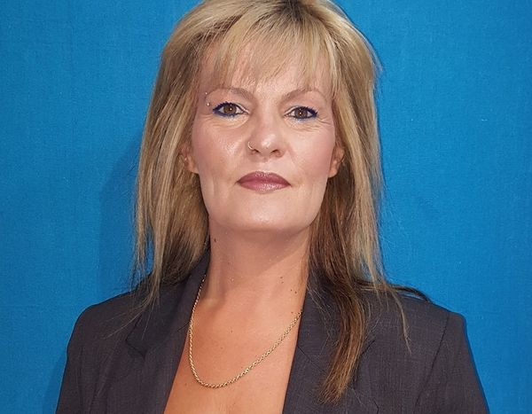 Υποψήφια βουλευτής των ΑΝΕΛ ανέλαβε ομάδα! (photos)