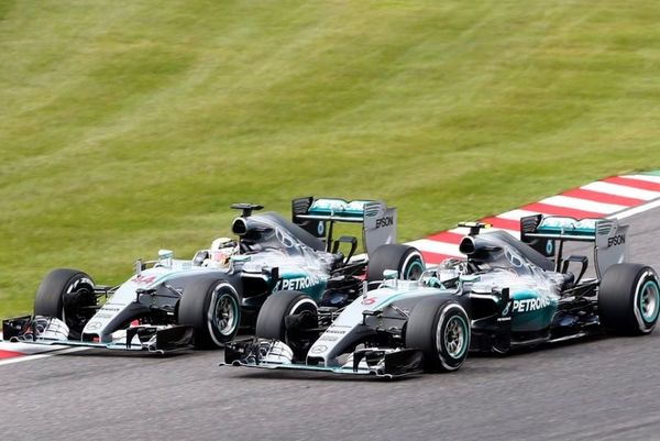 Formula 1: Γράφει… ιστορία ο Χάμιλτον, πάρτι οι Mercedes