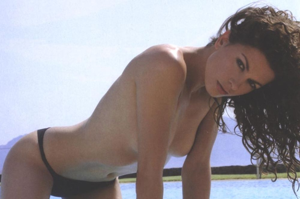 Η Τζίνα Αλιμόνου στα πιο... γυμνά της! (photos)