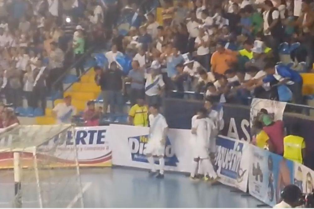 Απίστευτη γκολάρα… από πέναλτι σε futsal! (video)