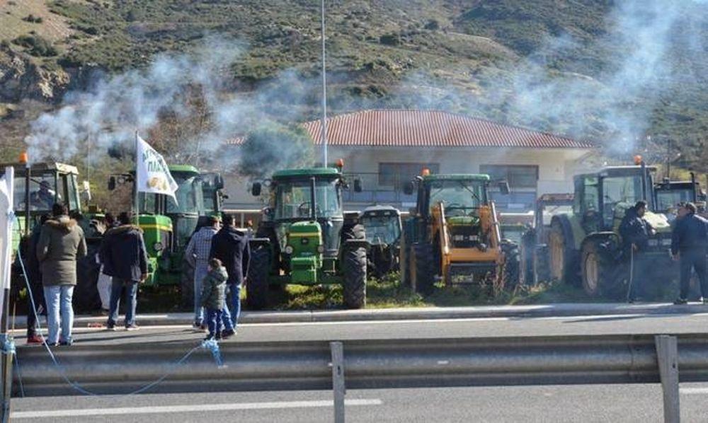 Έκτακτο - Μπλόκα αγροτών: Τα τρακτέρ «εισβάλλουν» στην Αθήνα