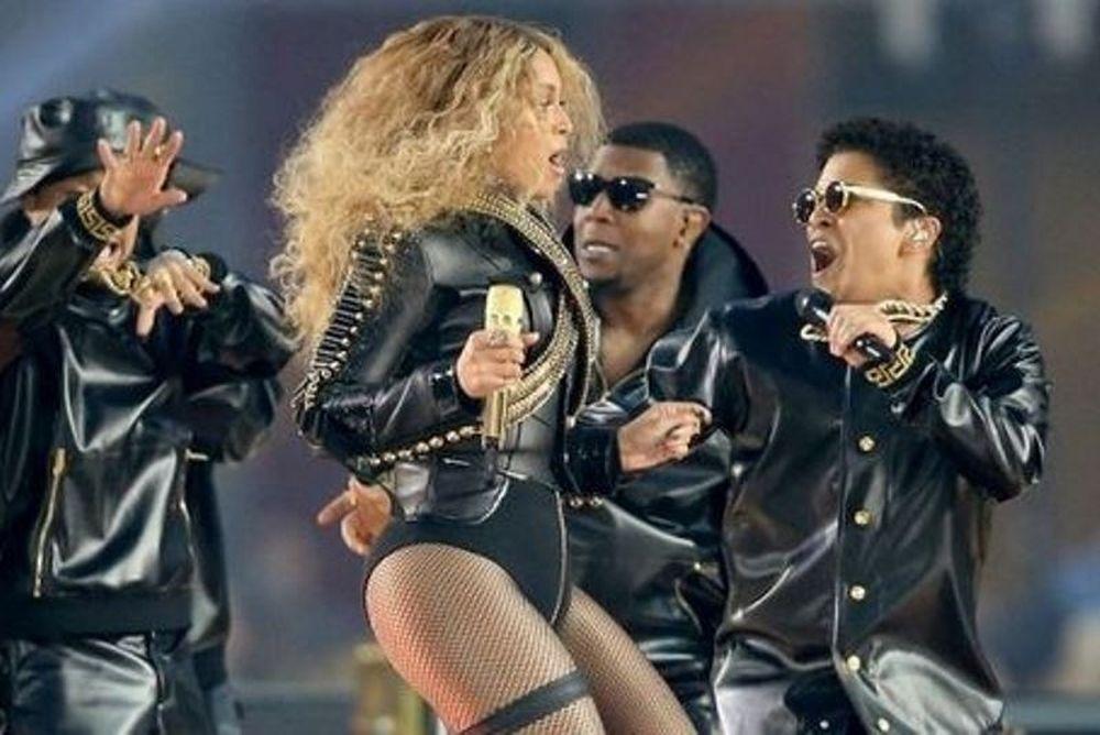 Η Beyonce και αν «έκαψε» το Super Bowl! (photos+video)