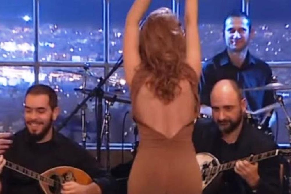 Δακρύσαμε με το τσιφτετέλι της Ελληνίδας ηθοποιού! (video)