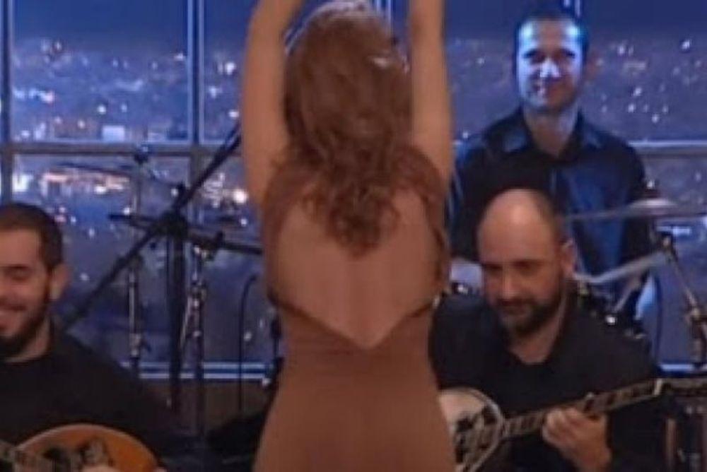 Πρώτη στο τσιφτετέλι, πρώτη και στο… pole dancing η Τραϊάνα! (photos+videos)