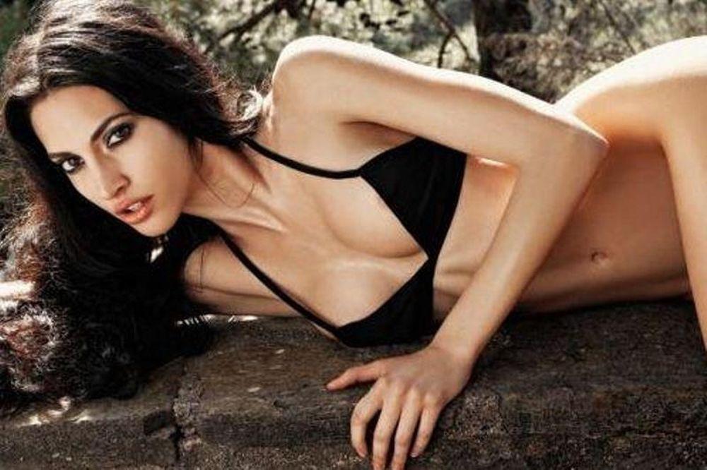 Η Νατάσα Λυμπερίδου έχει το καλύτερο φυσικό στήθος στην Ελλάδα (photos)