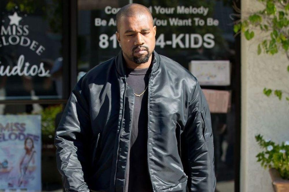 Τα καλύτερα outfits που έχει φορέσει ποτέ ο Kanye West (photos)