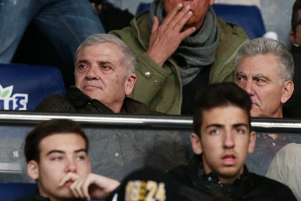 Μελισσανίδης: «Θα σε πνίξω με το κασκόλ» (photos)